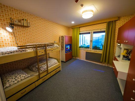 alltag im plattenbau neuer ausstellungsteil ddr museum. Black Bedroom Furniture Sets. Home Design Ideas