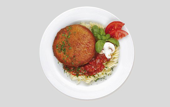 Hunter's schnitzel with pasta and tomato sauce