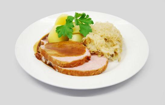 Gericht Kasselerbraten mit Kartoffeln und Sauerkraut nach DDR-Rezeptur