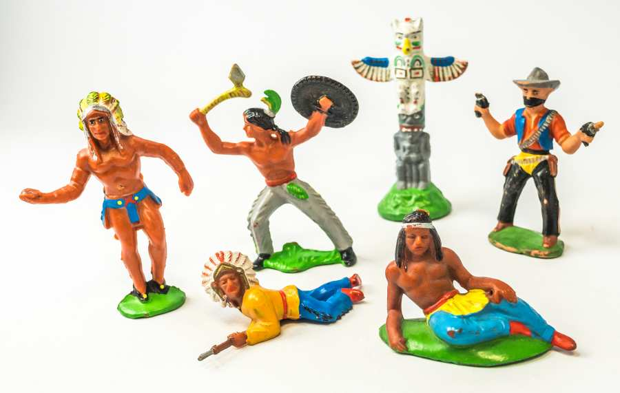 game pieces American Native Indians and cowboys